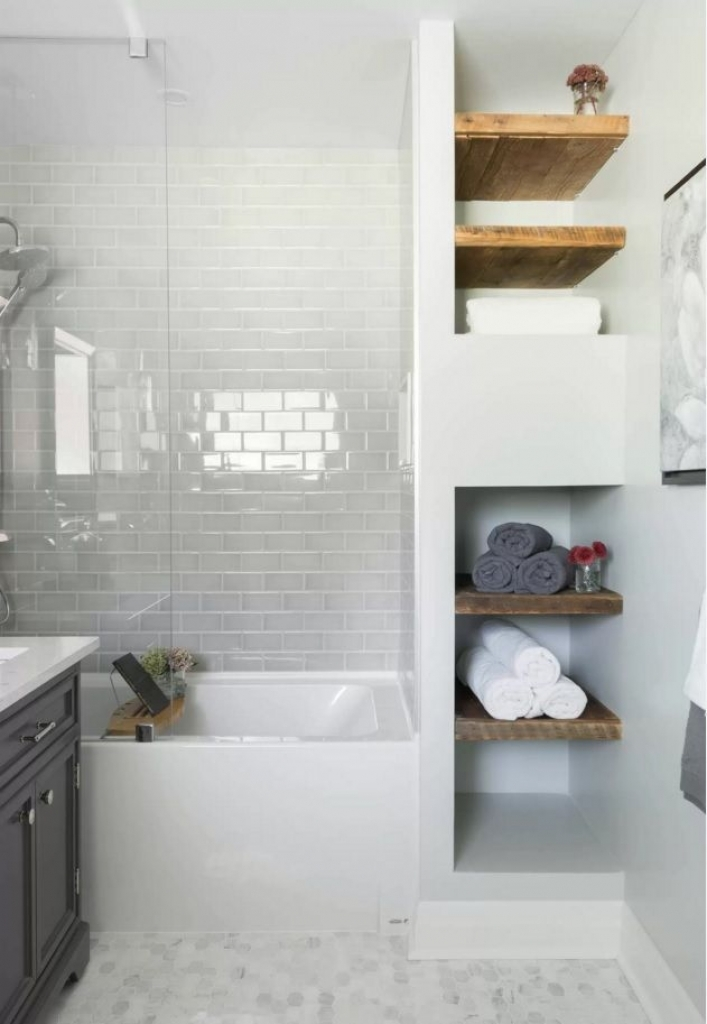 Small Bathrooms Tips 13 design tips to make a small bathroom look better - renoeasi